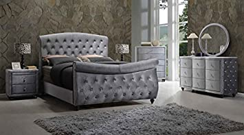 Amazon Com Meridian Furniture Hudson Sleigh Bedroom Set 6 Pc King Size Bed 2 Night Stands Dresser Mirror And Chest Diamonds Tufted Furniture Decor