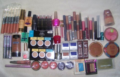 Assorted Namebrand Cosmetic Makeup - 100pcs Wholesale Makeup Lot by Unknown
