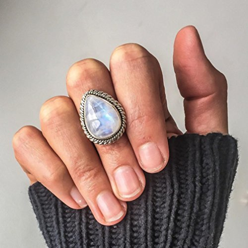 (Daoroka Romantic Gifts Rings for Her, Vintage Moonstone Rings for Women Girls Antique Tibetan Silver Water Drop Healing Crystal Ring Boho Indian Jewelry Birthday Gifts (5, Sliver))