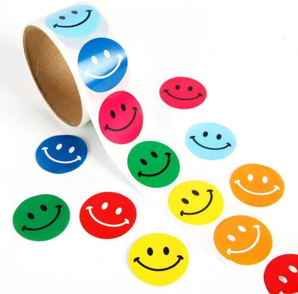 Lezed Emoji Smiley Pegatina Colorido Etiqueta Sonrisa Pegatina Emoji Etiquetas Smile Redonda Escuela Familia Fiesta de Niños Decoraciones Regalos de Navidad Para Niños 3.8 * 3.8CM (1 Rollo 100 Pcs)