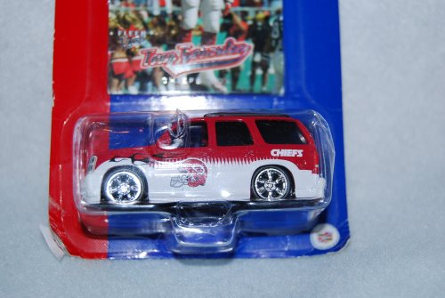 (2005 NFL Limited Edition Diecast 1:64 Cadillac Escalade Collectible-Kansas City Chiefs with Tony Gonzalez Trading Card)