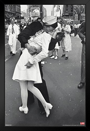 Navy Wwii Photo - Pyramid America Time Life War Time Square Sailor Kiss Photo Art Print Framed Poster 14x20 inch