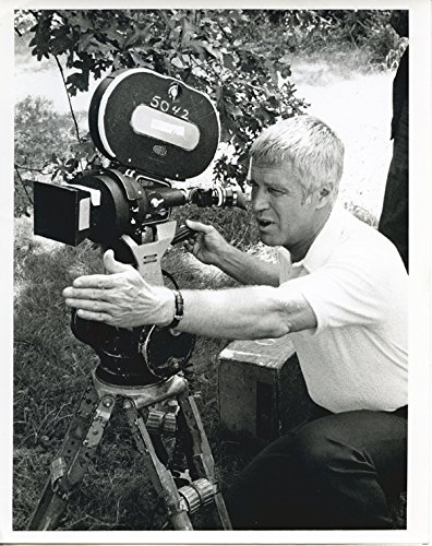 George Peppard Original 7x9 TV Photo Banacek 1973 Directing Filming