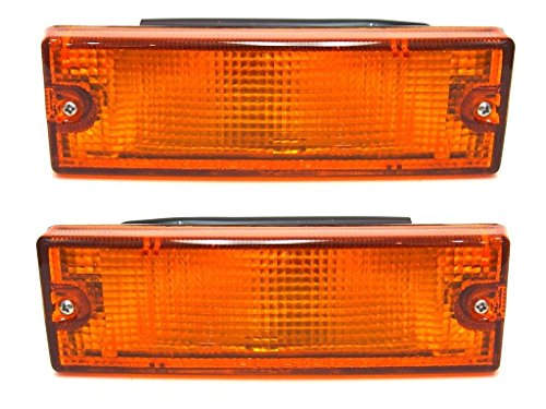 Front Bumper Turn Signal Indicator Corner Lamp, Left and Right Side:
