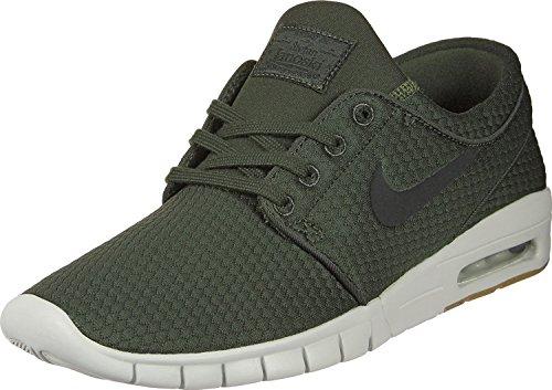 Nike Men's Stefan Janoski Max Sequoia/Black/Gum Med Brown Skate Shoe 10 Men US (Nike Skate Sb Free)