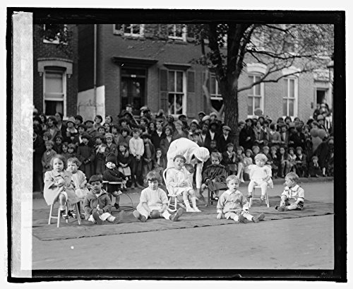 1925 Photo Nieghborhood House May Day festival, - New Zealand Get Directions