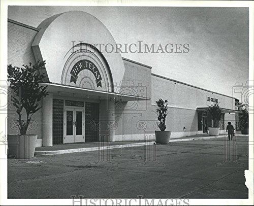 1985 Press Photo Empty Lot at Old Sears Store in Baytown Texas 711 W Texas - Stores Baytown
