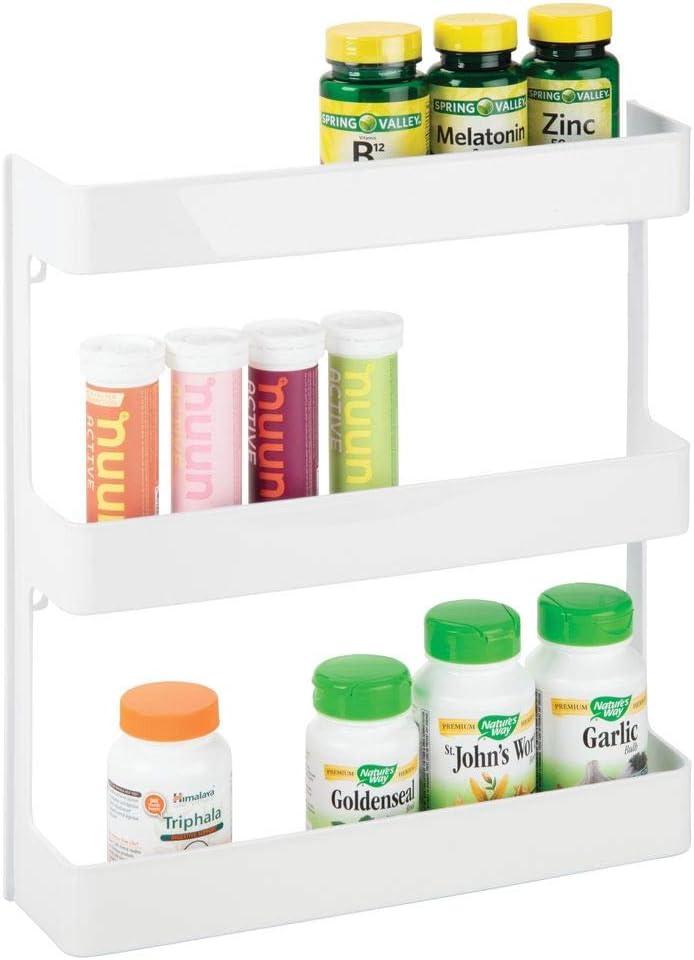 mDesign Organizador de medicamentos – Estantería de pared con 3 estantes – Baldas para baño de plástico para guardar medicinas, vitaminas y suplementos deportivos – blanco