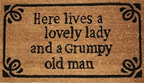 Fun Door Mat Floor Mat - Here Lives A Lovely Lady And A Grumpy Old Man, Retro Style (28 x 16 inches)