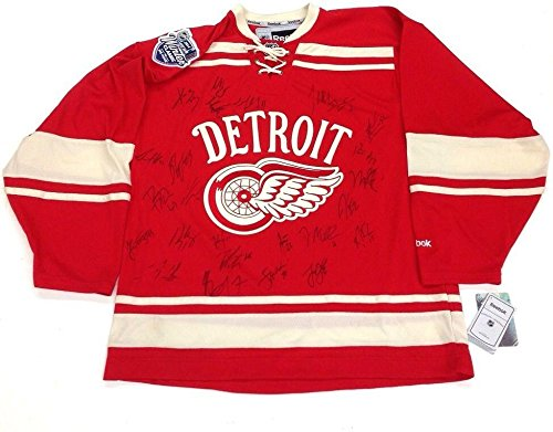2013-Detroit-Red-Wings-Team-Signed-Winter-Classic-Rbk-Jersey-Wpatch-Autographed-NHL-Jerseys
