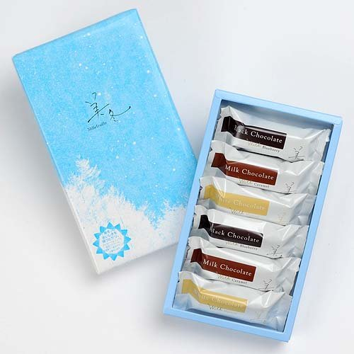 Ishiya - Mifuyu Perfect Combination 6 Pieces/Box: Dark, White Chocolate, Blueberry - Very Popular Souvenir Sweet From Hokkaido Japan
