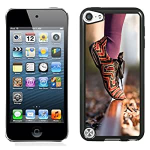 Fashion DIY Custom Designed iPod Touch 5th Generation Phone Case For Girl Stand on Tiptoe Phone Case Cover