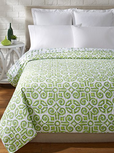 Abbey Quilt - C&F Home Boxwood Abbey Quilt, Green/White, King