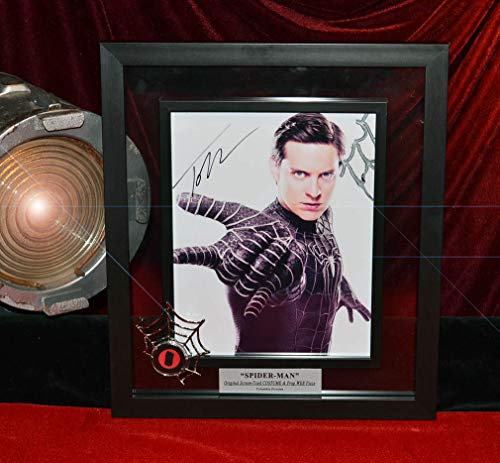SPIDER-MAN Prop CLOTH Costume & WEB, Signed TOBEY MAGUIRE autograph pix, BLU RAY DVD, Frame, COA + Magazine ()