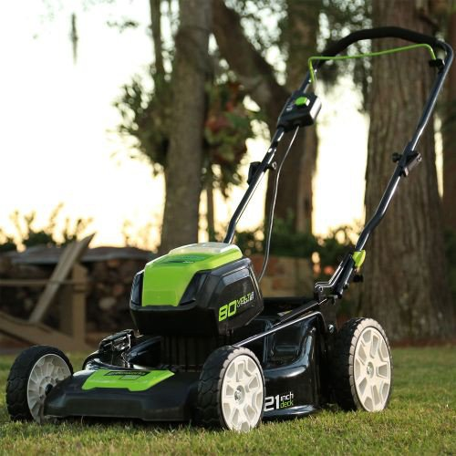 mowing with a cordless lawnmower