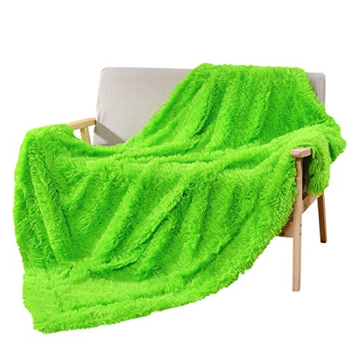 DECOSY Faux Fur Couch Blanket Bright Green 50