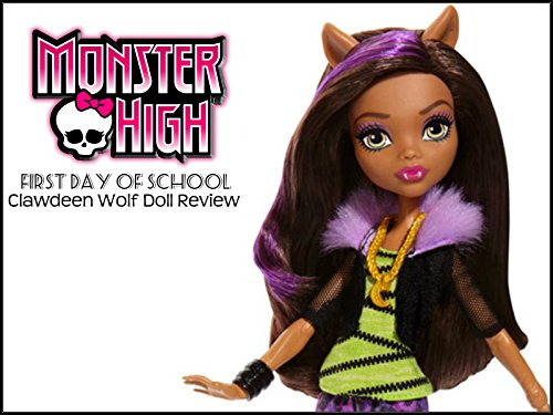 Review: Monster High First Day of School Clawdeen Wolf Doll Review (Superheroes Outfit)