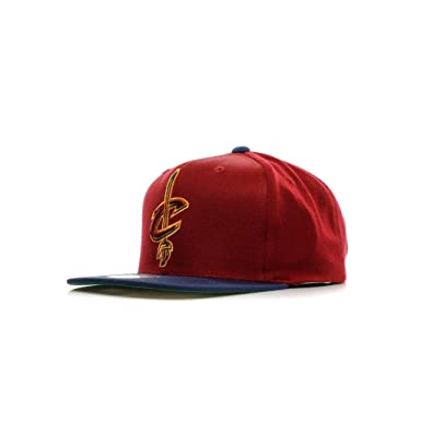 0ab5a4846269f Mitchell   Ness Men s Cleveland Cavaliers XL Logo Two Tone Snapback One  Size Maroon at Amazon Men s Clothing store