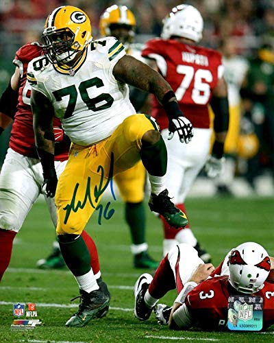 (Packers Defensive Tackle Mike Daniels Autographed Signed 8x10 Photo #2 Auto)