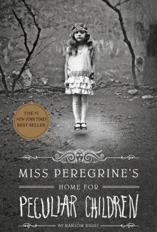 Miss Peregrine's Home for Peculiar Children (Miss Peregrine's Peculiar Children)]()