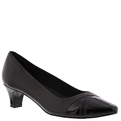 0523f56bbbfd Walking Cradles Womens Intro Leather Closed Toe Classic Pumps