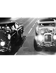 American Graffiti Milner's '32 Ford Coupe races Falfa's '55 Chevy down street 24x36 Poster