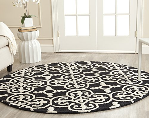 Safavieh Cambridge Collection CAM133E Handcrafted Moroccan Geometric Black and Ivory Premium Wool Round Area Rug (6' Diameter)