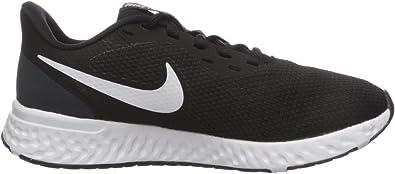 Amazon Com Nike Women S Revolution 5 Wide Running Shoe Road Running