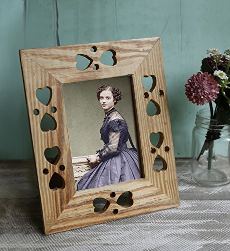 Traditions Wall Photo Frame (Wooden Picture Frame with Heath Cut-outs, 5 x 7)
