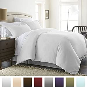 Beckham Hotel Collection Luxury Soft Brushed 2300 Series Microfiber Duvet Cover Set - Hypoallergenic - King/California King - White