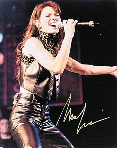 SHANIA TWAIN COUNTRY POP SINGER SONGWRITER GRAMMY AWARD WINNER 8 X 10 PHOTO