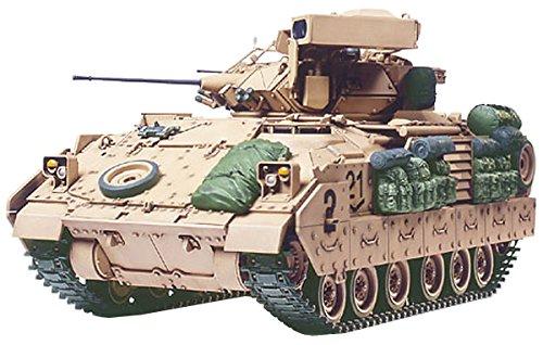 Tamiya Military Miniatures Model - Tamiya 300035264Desert Storm 1: 35U.S. M2A2Bradley IFV (2)