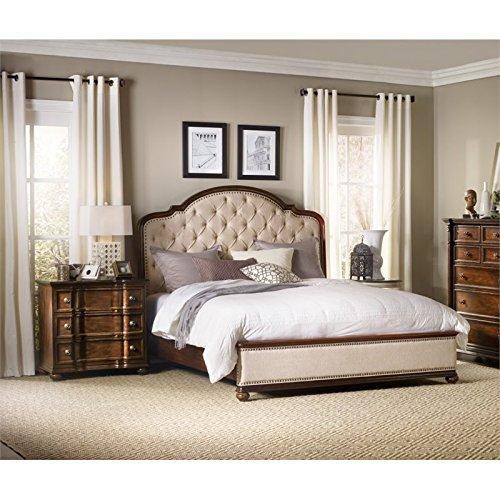 Hooker Furniture Leesburg 3 Piece Upholstered Queen Bedroom Set in Mahogany ()