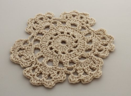 Fennco Styles Handmade Medallion Crochet Lace Cotton Coasters/Doilies. 4 Inch Round. Beige Color. Set of 4.