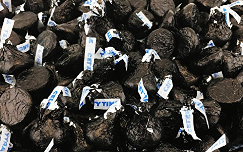 Hershey's Kisses, Milk Chocolate in Black Foil (Pack of 2 Pound) ()