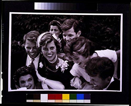 HistoricalFindings Photo: Kennedy Wedding,Family with Couple,John F Kennedy,JFK,Jackie O,1953,Bride (John F Kennedy And Jackie Kennedy Wedding Photos)