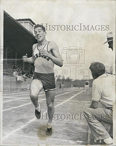 1952 Press Photo Atis Petersons Lincoln High School Miler First Place Seattle