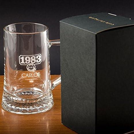 Regalo para hombres por su cumpleaños, aniversario, Navidad, Día del Padre... Jarra de cerveza personalizada con nombre y año de nacimiento grabados ...