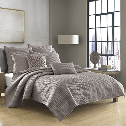 five-queens-court-catori-king-coverlet-charcoal