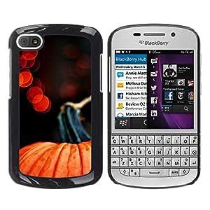 FECELL CITY // Duro Aluminio Pegatina PC Caso decorativo Funda Carcasa de Protección para BlackBerry Q10 // Halloween Lights Red Orange