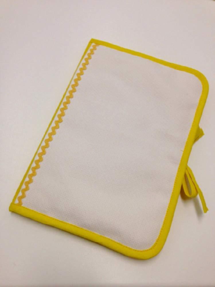 contour au choix tissu jaune 100/% coton Prot/ège carnet de sant/é a broder au point de croix