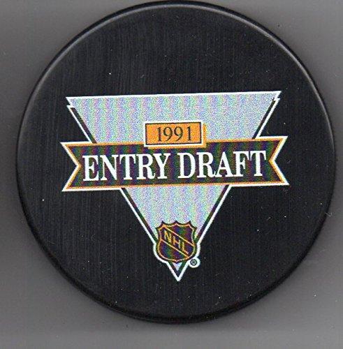- 1991 NHL Entry Draft Buffalo Sabres Memorial Auditorium NHL Hockey Puck + FREE Cube
