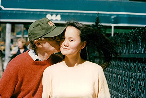 (Vintage photo of Woody Allen and Soon-Yi at Madison Avenue)