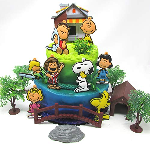 Charlie Brown Cake Topper Set Featuring Charlie Brown and Friends Characters and Decorative Themed Accessories (Charlie Brown Best Friend)