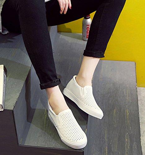Aisun Damen Low Top Flach Plateau Cut Out Unsichtbare Erhöhung Slipper Sneakers Weiß