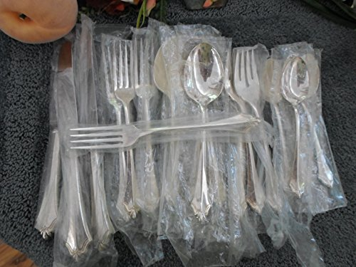 BELCOURT Oneida Community Vintage USA Silverplate 31pcs 4 Place Settings 11 Serving Excellent Unused