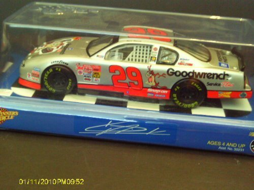 NEW KEVIN HARVICK #29 NASCAR 2001 GOODWRENCH CAR * 1:24