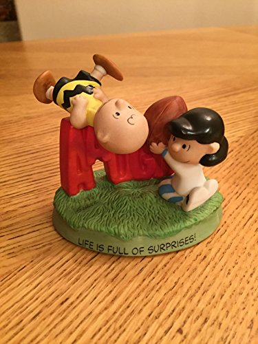 Charlie Brown And Lucy Football - Hallmark Peanuts Gallery Fall Ball Charlie Brown Lucy Football Figurine QPC4010
