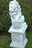 Figur Löwe mit Wappen links auf klassischer Säule H 65cm Statuen aus Beton