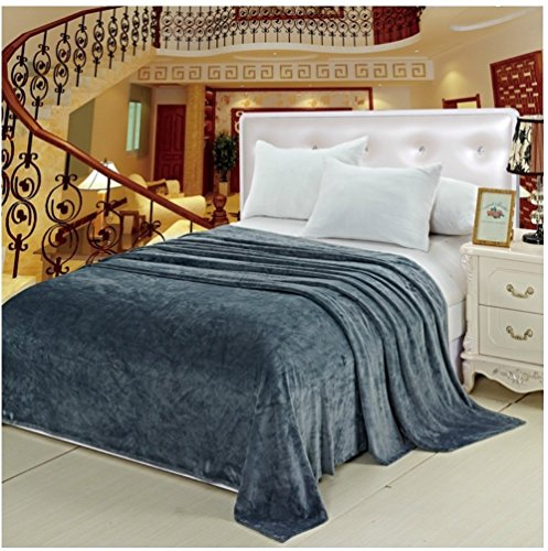 Deluxe Super Luxurious Flannel Blanket product image